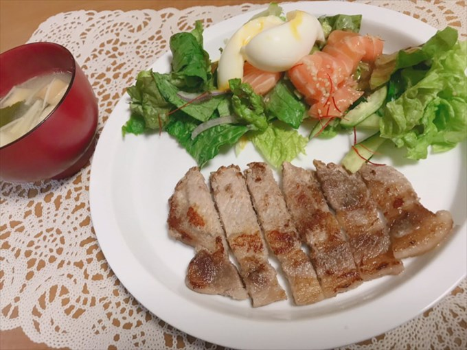 コストコ・サーモンのチョレギサラダが美味しい